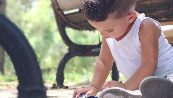 למה הקייטנות שולחות להורים כל כך הרבה תמונות של הילדים?