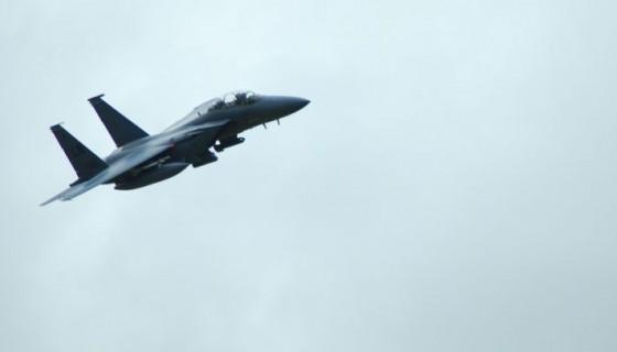 מטוס קרב ירי טילים