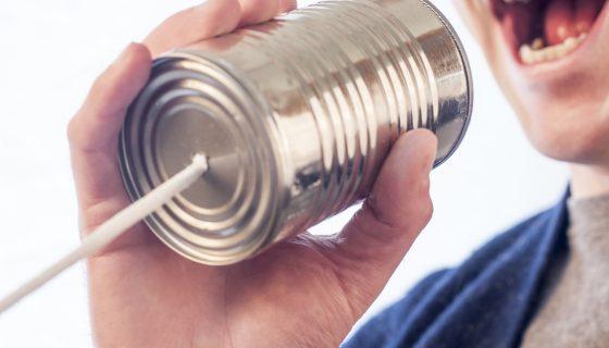לדבר בטלפון