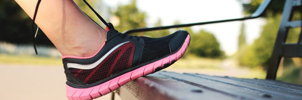 קשירת נעליים